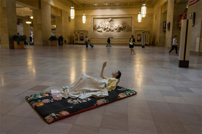 Eiko Otake, A Body in a Station. Photo by William Johnson.