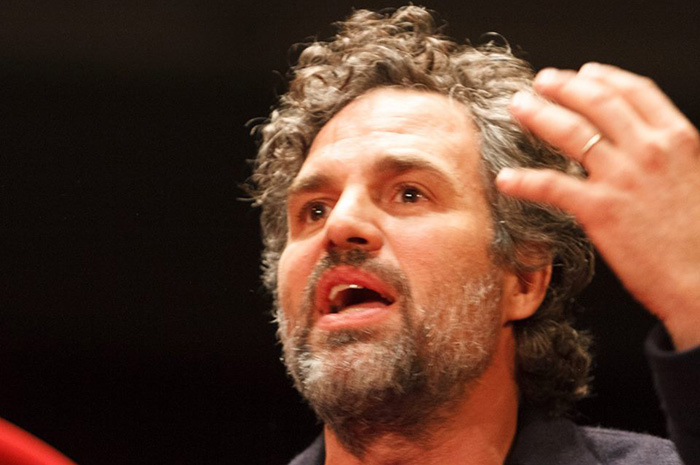 mark ruffalo talks to students at Dickinson College