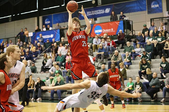 Gerry Wixted '15 led the Red Devils with 22 points in their third round victory.