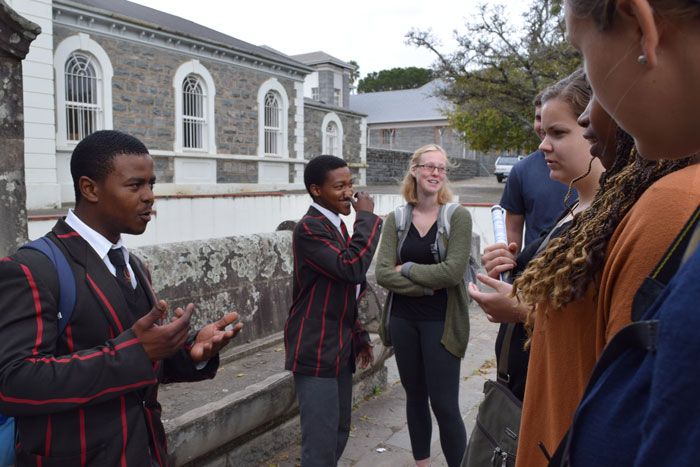 students talk with South african students