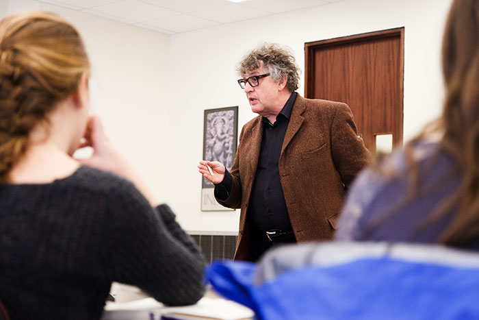 Paul Muldoon chats with literature students about his approach to creative writing.