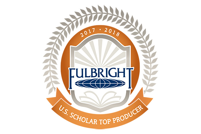 Fulbright Top Scholar Producer icon.