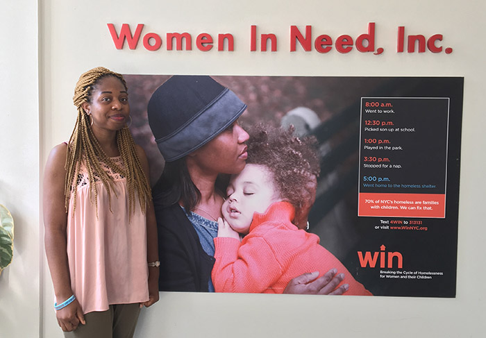 During her time as a volunteer services intern at Women in Need, Seto Olayomi Olayomi '18 found confidence by helping lower-income families in New York City.