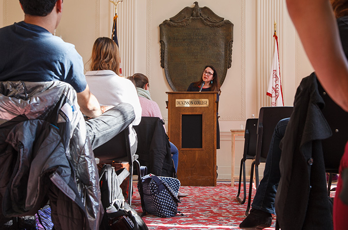 Stellfox Award-winner Lorrie Moore speaks with literature and writing students in Memorial Hall.