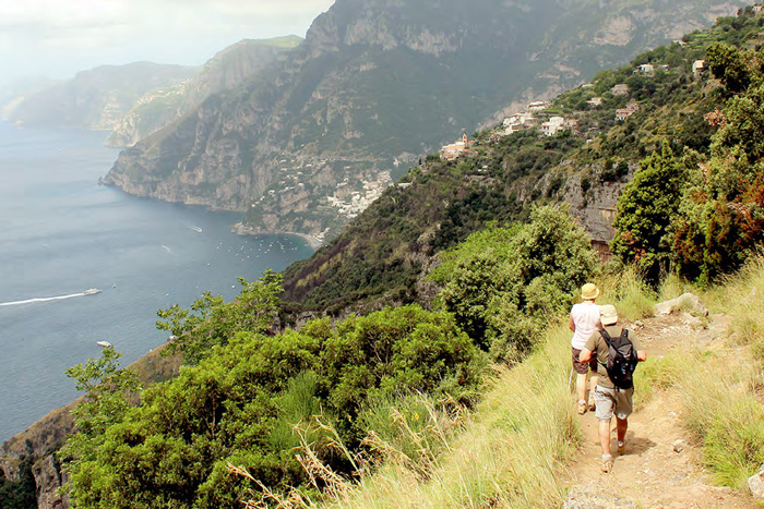 Alumni Global Adventures Trip to Southern Italy Takes on Vesuvius and Gourmet Delights