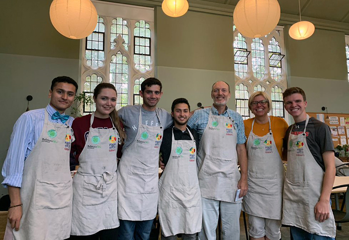 Dickinson students studying abroad in London volunteered at Refettorio Felix, the local branch of the global nonprofit Food for Soul.
