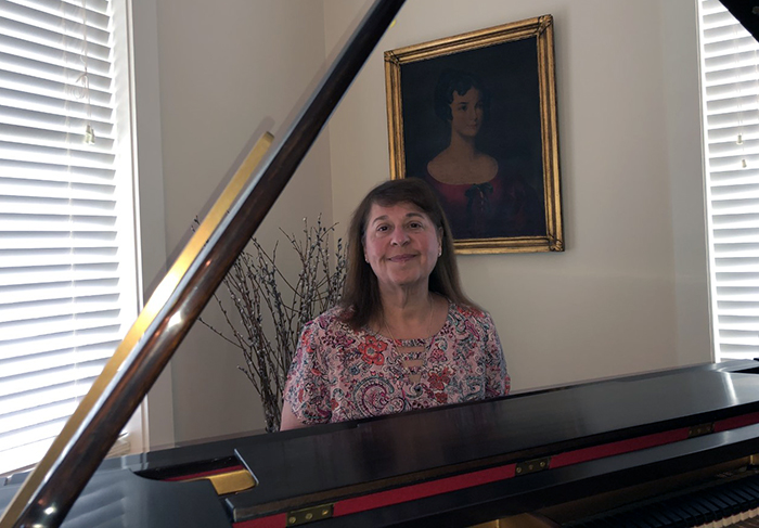 As a child, Robin Arnoff '83 was electrified by an Elton John song. That inspired a lifelong passion for the piano and for collecting.