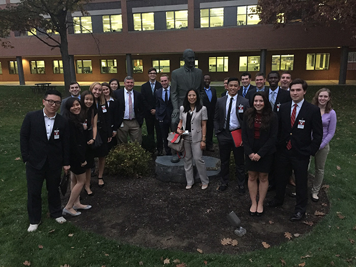 Students and alumni connected during a November outing to the Vanguard Group headquarters in Malvern, Pa.