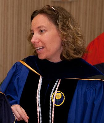 Prof. Amy Wlordarski receives faculty awad.