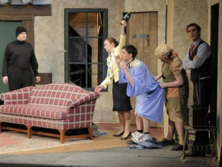 Noises Off Spring 2010 7