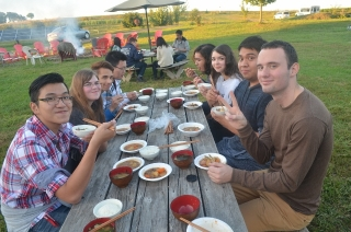 Japanese Language Table cookout at Dickinson College farm